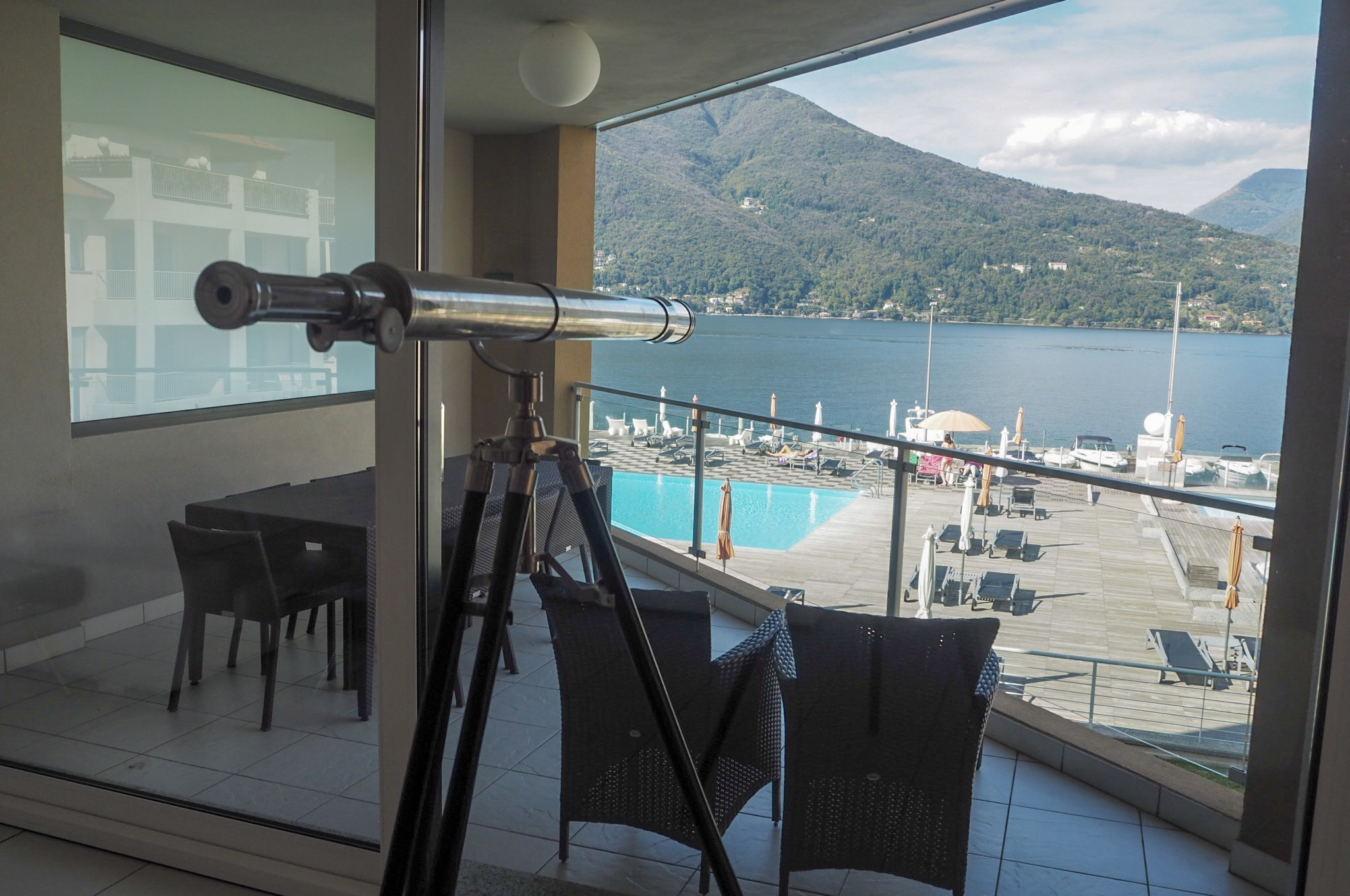 Apartments views to the pool at Golfo Gabella Resort Lake Maggiore