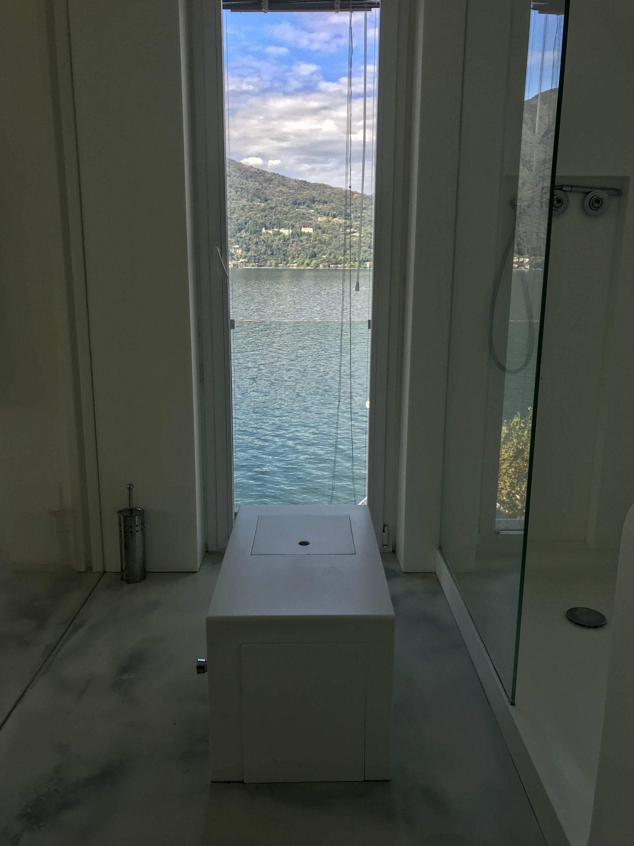 Loo Lakeside views in Lake Maggiore