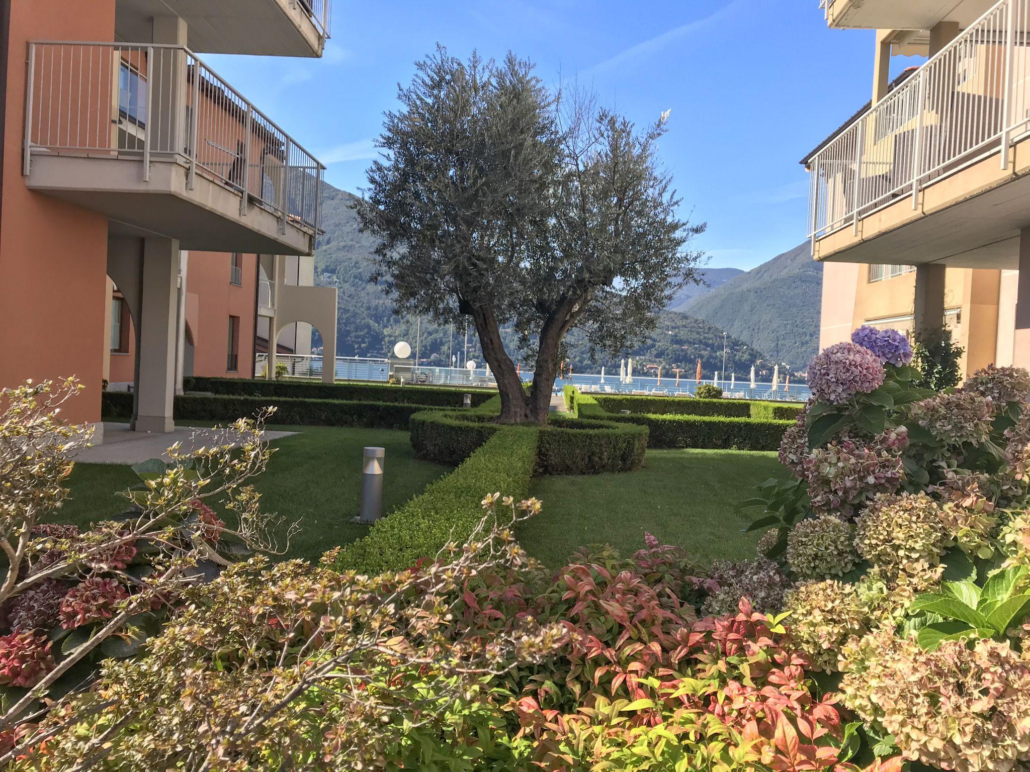 pretty manicured grounds of Golfo Gabella Resort Lake Maggiore